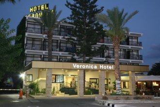 Отель Veronica