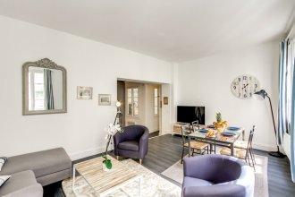 Louvre - Saint Honore Area Apartment