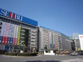 6 mins to Shinjuku