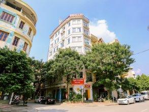 OYO 575 Van Xuan Hotel