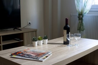 Comfortable Apartment At The Foot of The Odeon of Herodes Atticus