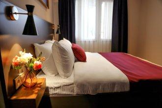 The Roomy Hotel