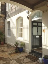 Spacious 2 Bed Apt in Ideal City Centre Location