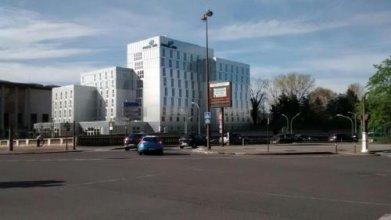 Motel One Paris-Porte Dorée