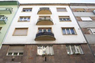 Margit Apartment