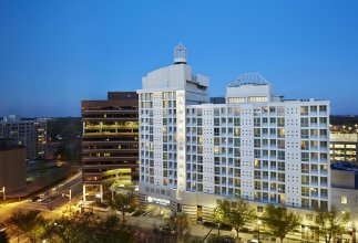 DoubleTree by Hilton Silver Spring