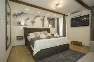 Luxury room inside of Diocletian palace