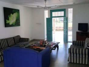 Hangover Hostels Seeduwa