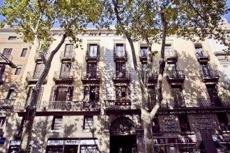 Las Ramblas Pasaje Bacardi Apartments
