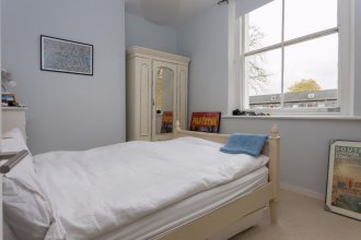 Two Bedroom Apartment near Brixton Station