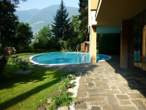 Studio in Meran, With Shared Pool and Furnished Balcony - 6 km From the Slopes
