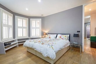 Beautiful Kensington 2 Bedroom Luxury Apartment