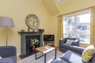 393 Old Tolbooth Wynd Apartment 3
