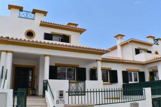 Villa Monique by Algarkasa
