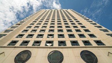 Ambassador Row Hotel Suites by Lanson Place
