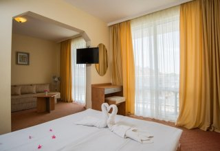 Nassi Hotel