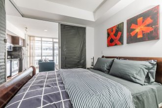 Newly Designed 1BR Suite Great Location