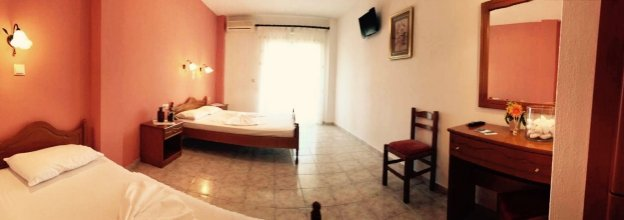 Hotel Papagalos