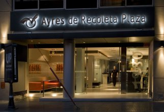 Ayres de Recoleta Plaza