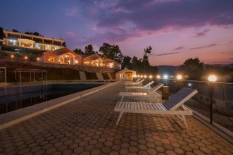 Seven Lakes Resort