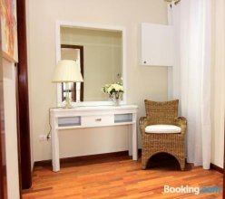 Classbedroom Fira Business Apartment