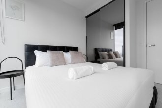 Luxury 2bed2bath apt in the Heart of Mel@collins