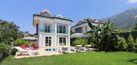 Villa AKD1  by JoyLettings