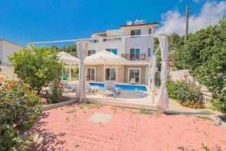 Villa Umut by Akdenizvillam
