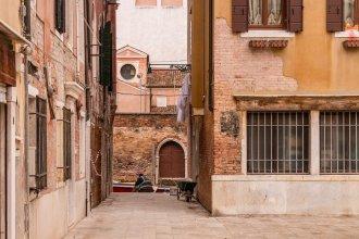 Ca' Barbo Romantic Apartment in Venice
