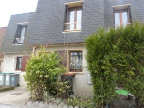 House With 2 Bedrooms in Garges-lès-gonesse, With Enclosed Garden and