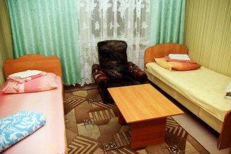 Apartment Neftyanikov