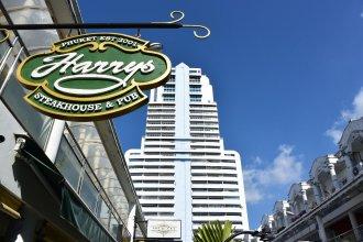 Harrys Steakhouse & Beach Hotel