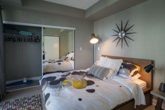 Applewood Suites - 2 BDRM York & Bremner