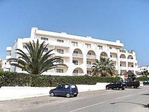 Alta Oura Apartments
