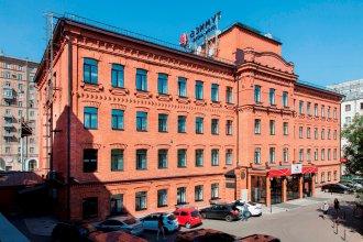 Отель AZIMUT Moscow Tulskaya (АЗИМУТ Москва Тульская)