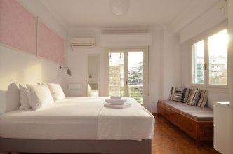 Thiseio a vintage apartment