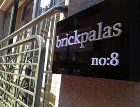 Brickpalas