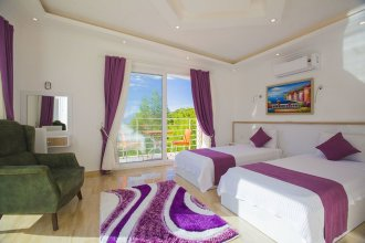 Villa Bedirhan by Akdenizvillam
