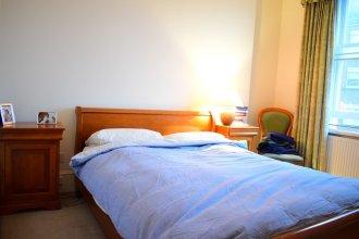Kensington 2 Bedroom Flat With Balcony
