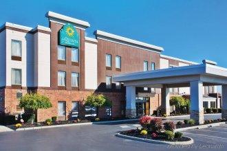 La Quinta Inn & Suites by Wyndham Columbus - Grove City