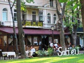 Апартаменты рядом с оперным театром