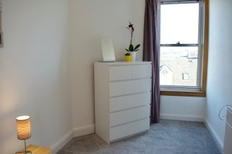 Newly Refurbished Edinburgh Apartment