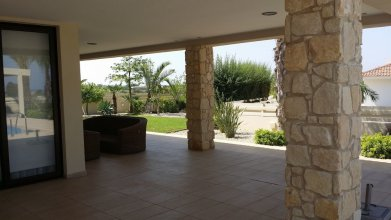 Noufaro Luxury Villa
