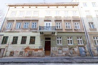 Apartment on Brativ Rogatintsiv 45
