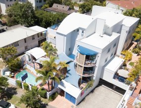 Surfers Beach Resort One