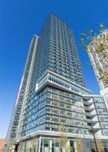 Deedee's Sky Rise Apartments - Newport 2