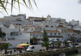 Sprawling Holiday Home at Portimão With Fenced Garden