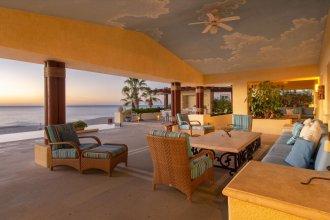 6 Bedroom Beachfront From $1600 per Night: Villa de la Playa