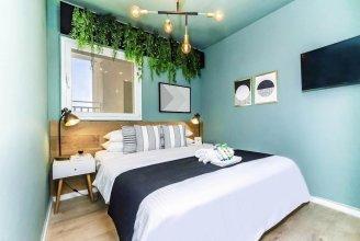 New - Trendy One Bedroom Apt, Most Popular Area