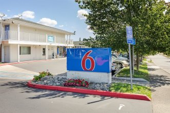 Motel 6 Tacoma, WA - South